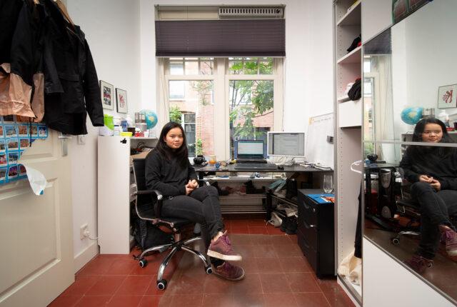 Annelot in haar kamer