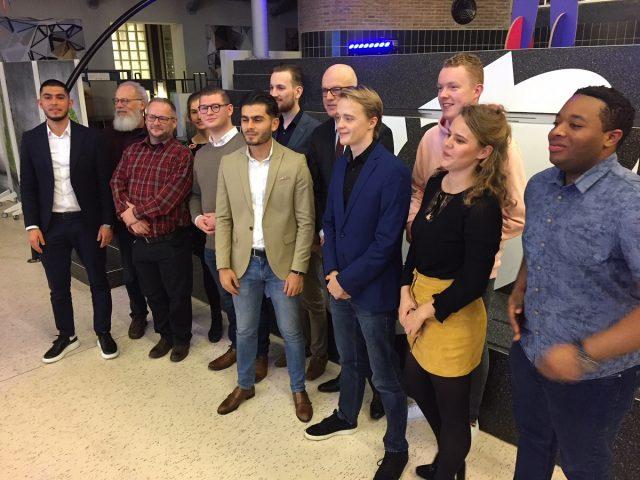 Een aantal van de verkozen nieuwe cmr- en imr-leden op de foto met collegevoorzitter Ron Bormans