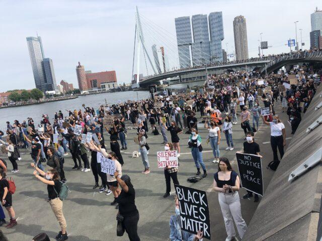 Overzichtsfoto van BLM-demonstratie