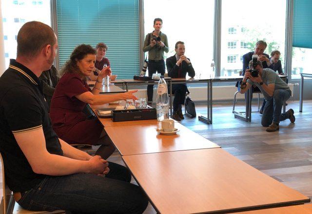 Minister Van Engelshoven in gesprek met studenten