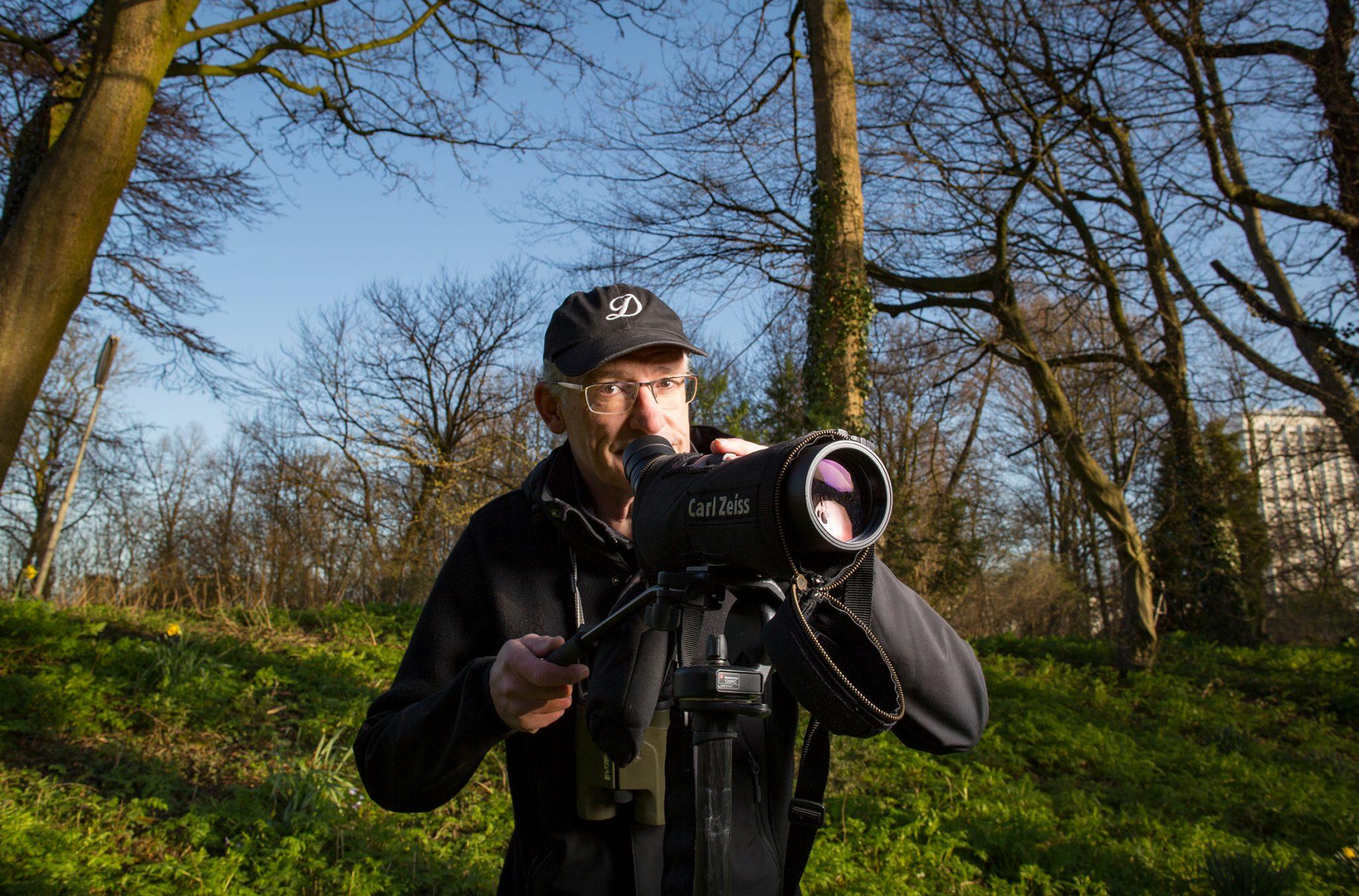 Vogelaar en HR docent Servaas in het Euromastpark.