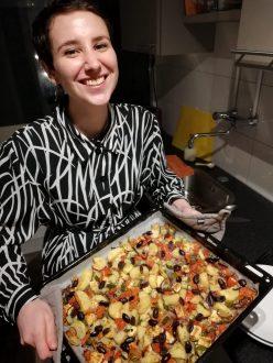 Liesel met haar salade